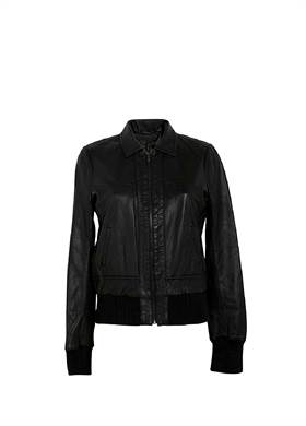 Γυναικείο Μπουφάν JOE'S JEANS σε μαύρο χρώμα, με γιακά, φερμουάρ στο μπροστινό μέρος και λάστιχο στο κάτω μέρος και στα μανίκια, από 100% Δέρμα.