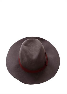 Προσφορά:  Fashion Brands Bazaar - Καπέλο NUMPH με21,00€
